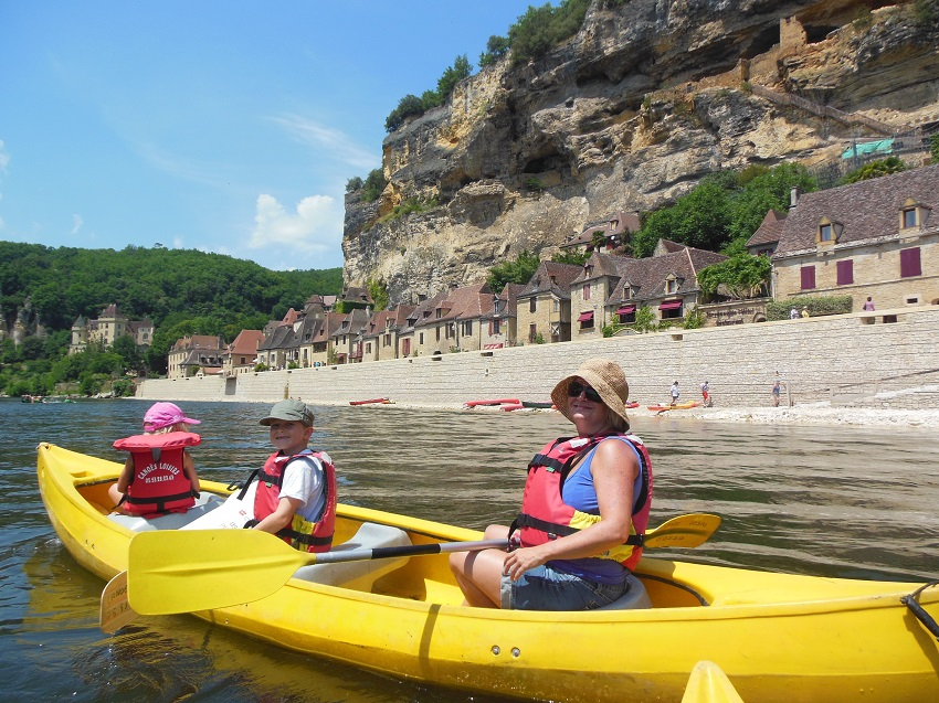 canoeing down the Dordogne